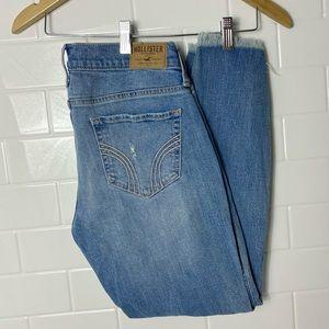 HOLLISTER Light Wash Boyfriend Jeans